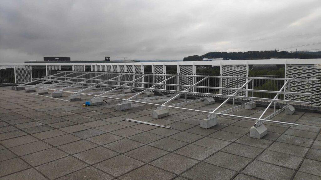 estructura mulhacén SunSupport durante el proceso de instalación