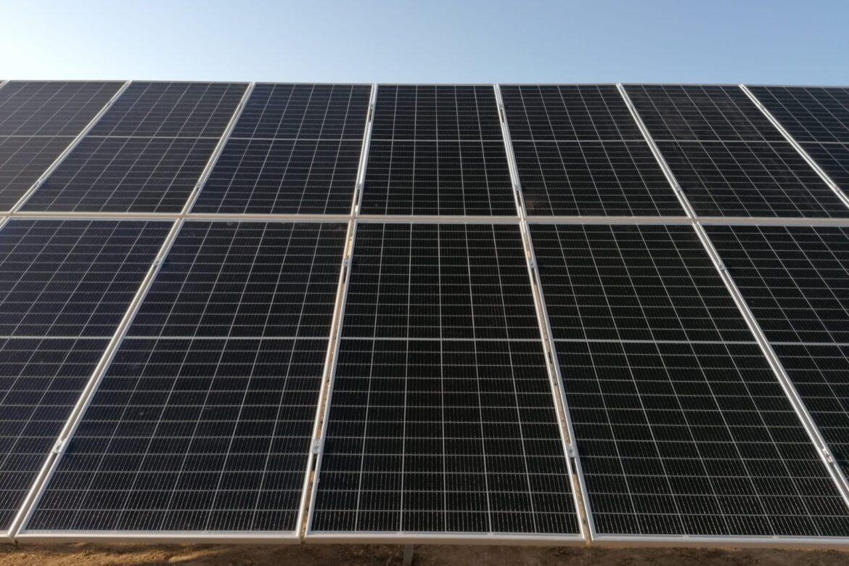 montaje instalación fotovoltaica hincada sunsupport ubicada en cordoba